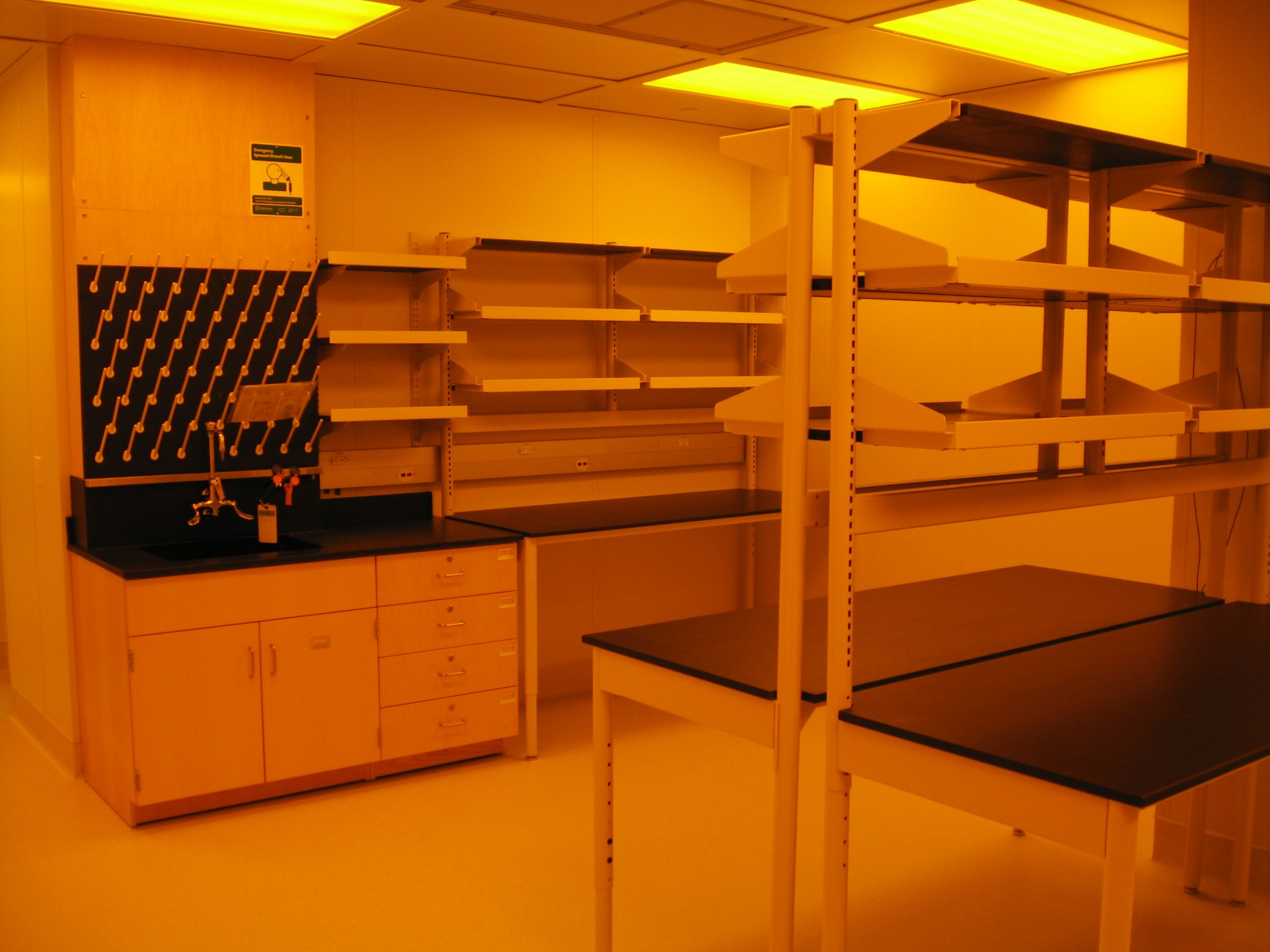 West Virginia University Hodess Cleanroom Construction